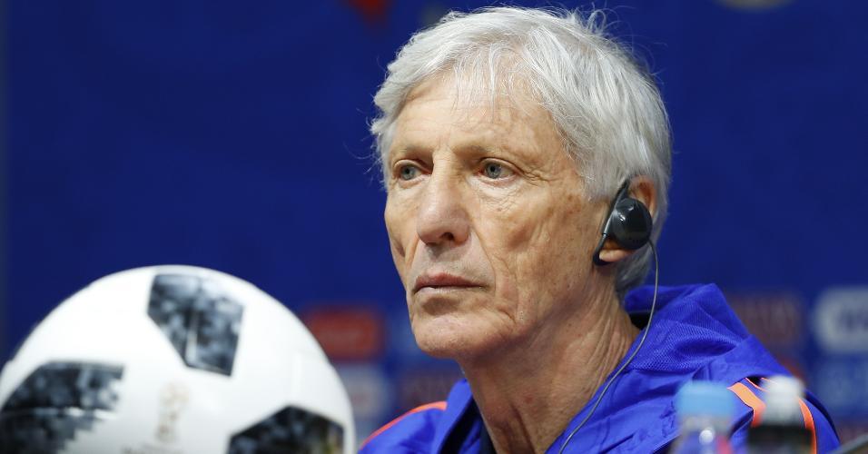 O técnico José Pékerman durante entrevista coletiva da seleção da Colômbia