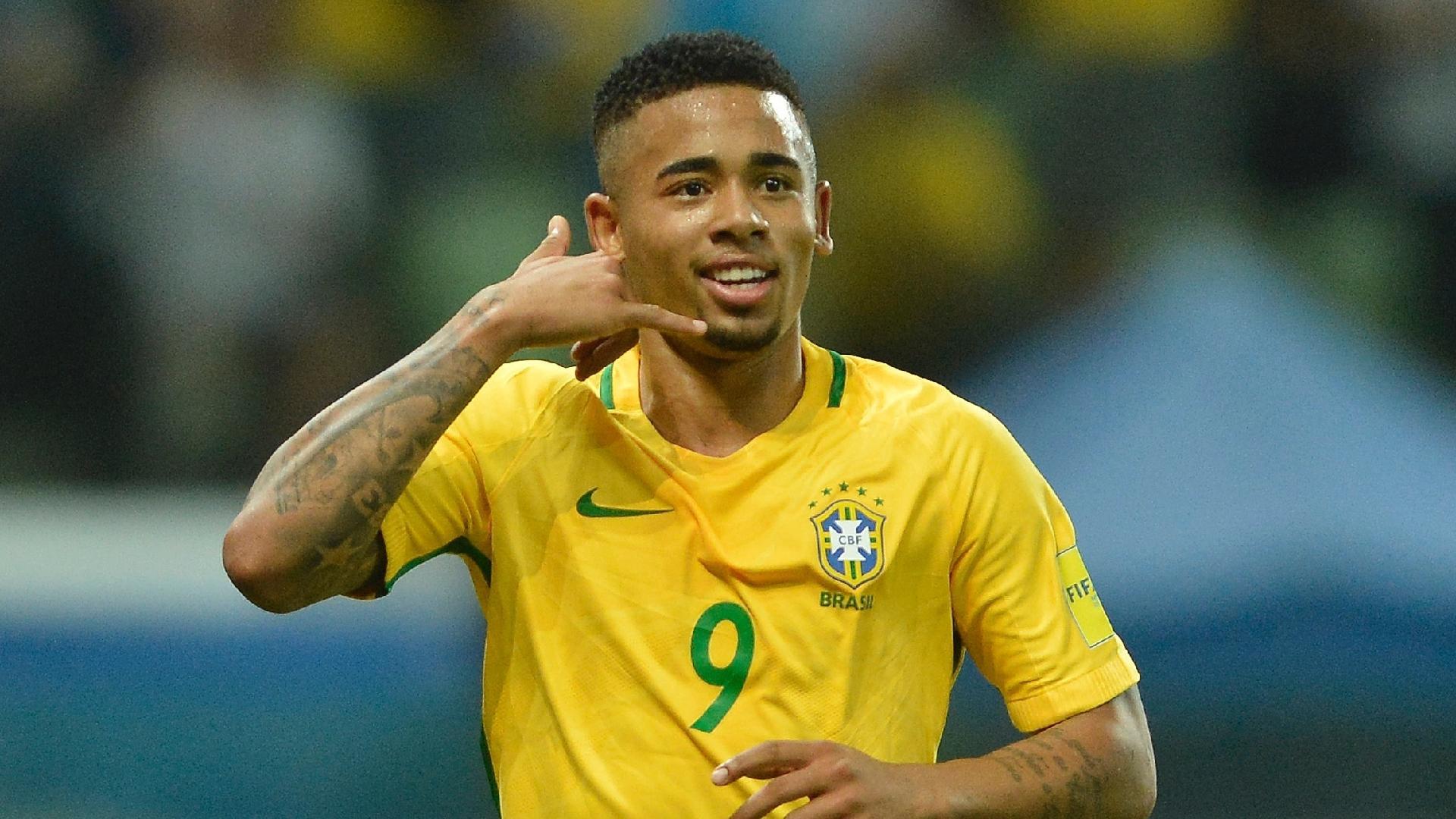 Gabriel Jesus comemora gol marcado contra o Chile, em jogo válido pelas Eliminatórias