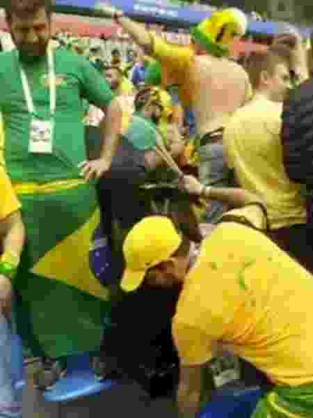 Brasileiros recolheram o lixo em São Petersburgo - Reprodução