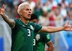 Zagueiro mexicano tem bagagem roubada e ironiza aérea que patrocina seleção - REUTERS/Michael Dalder