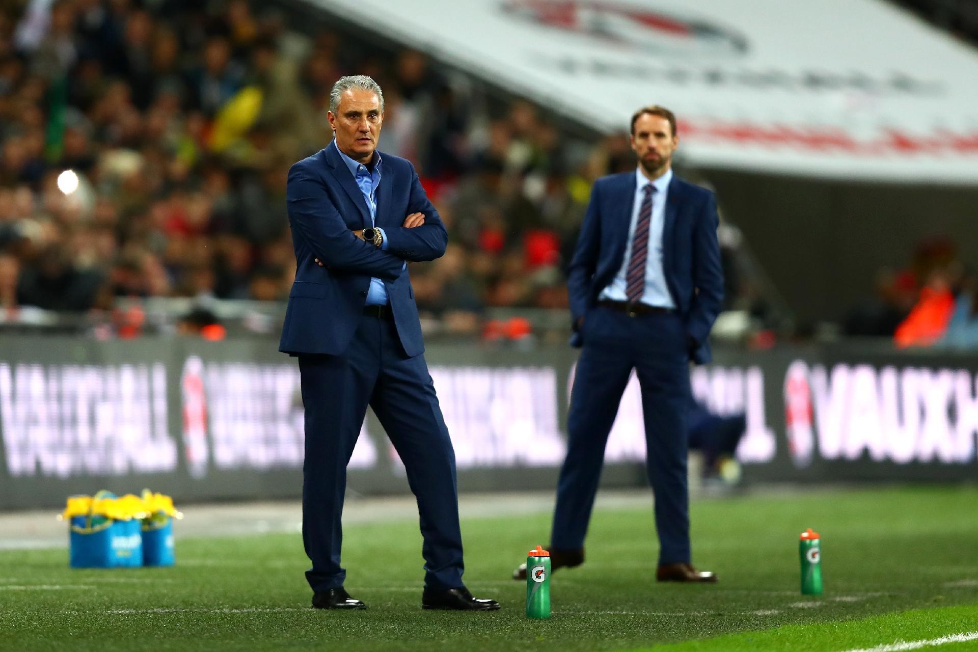 Seleção  Tite crava Firmino e revela 15 nomes já definidos para a Copa de  2018 6180db983adfe