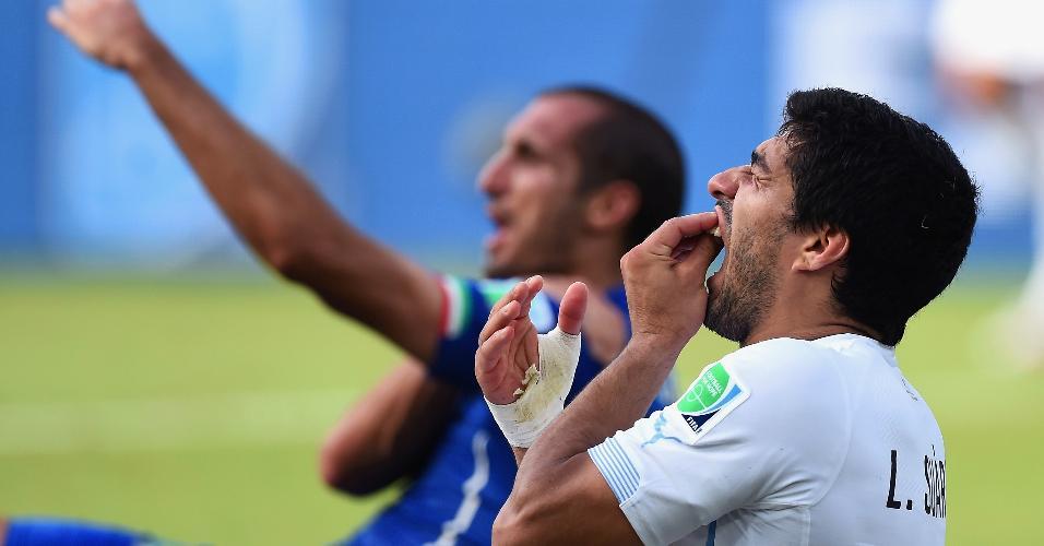 Luis Suárez Uruguai Copa do Mundo mordida Chiellini