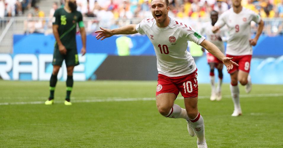 Christian Eriksen comemora gol marcado aos 7 minutos do primeiro tempo em Dinamarca x Austrália