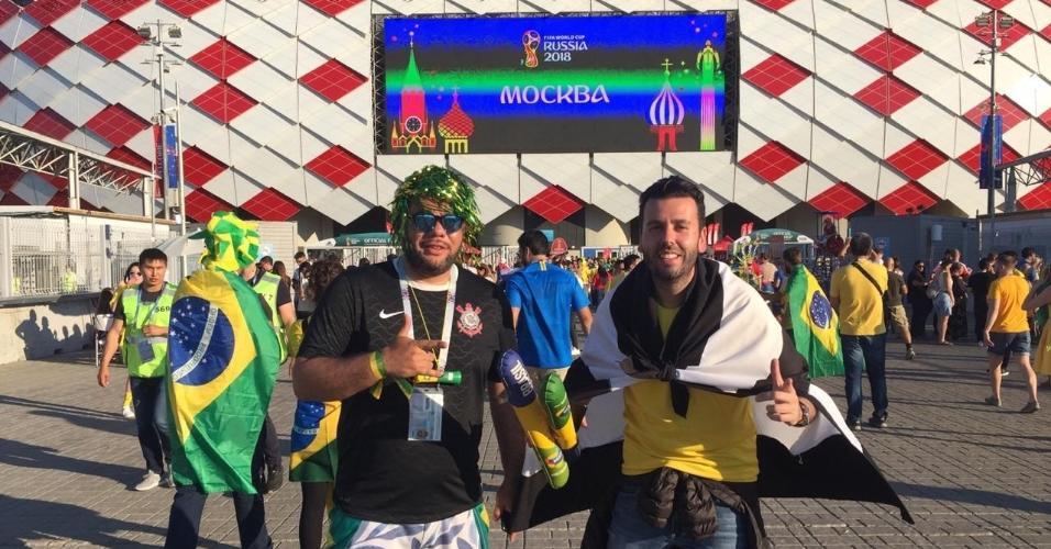 Torcedores comemoram a derrota da Alemanha em pré-jogo do Brasil