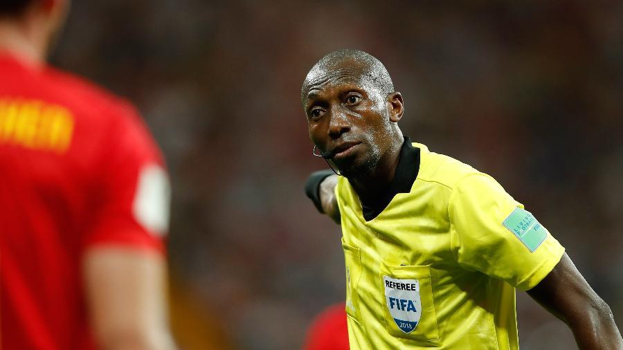 Árbitro que trabalhou em três partidas do Mundial foi celebrado pelos senegaleses - AFP PHOTO / Odd ANDERSEN