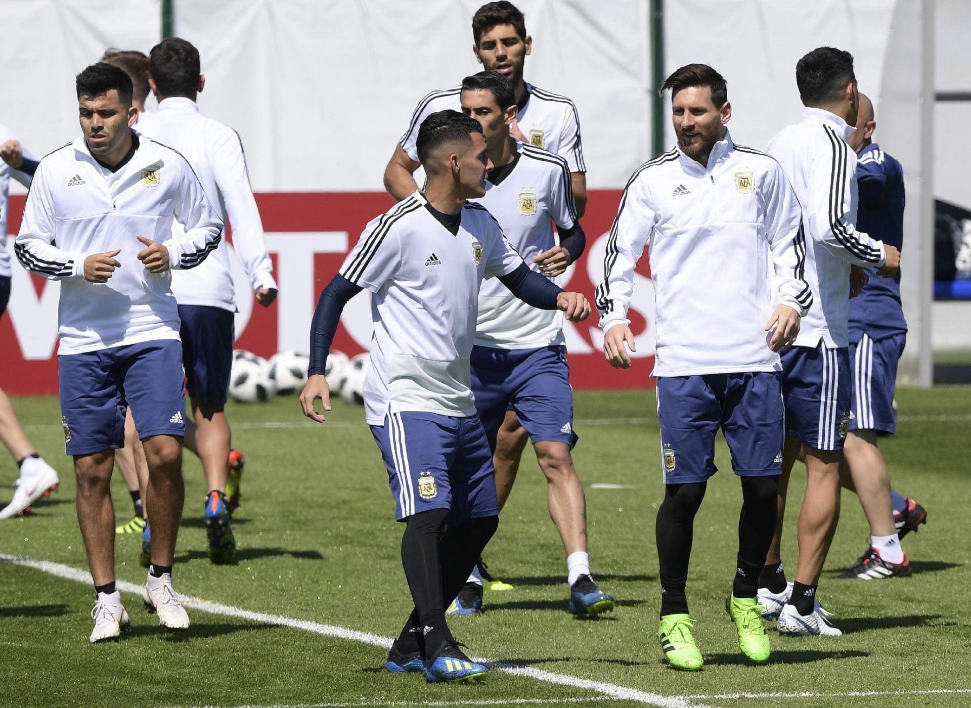 Argentina na Copa 2018  Argentina confirma time titular em último treino  antes de estreia na Copa - UOL Copa do Mundo 2018 279cf0d036