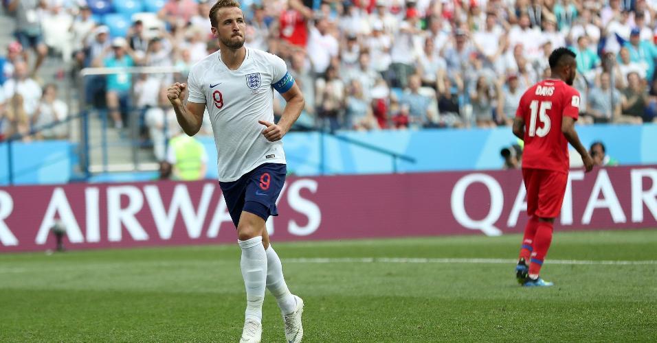 Harry Kane comemora o quinto gol da Inglaterra sobre o Panamá