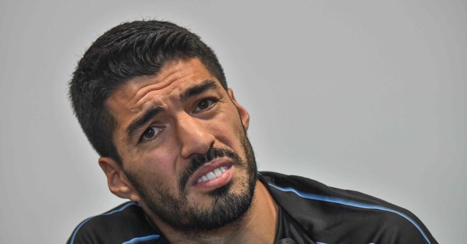 Luis Suarez durante entrevista na concentração do Uruguai