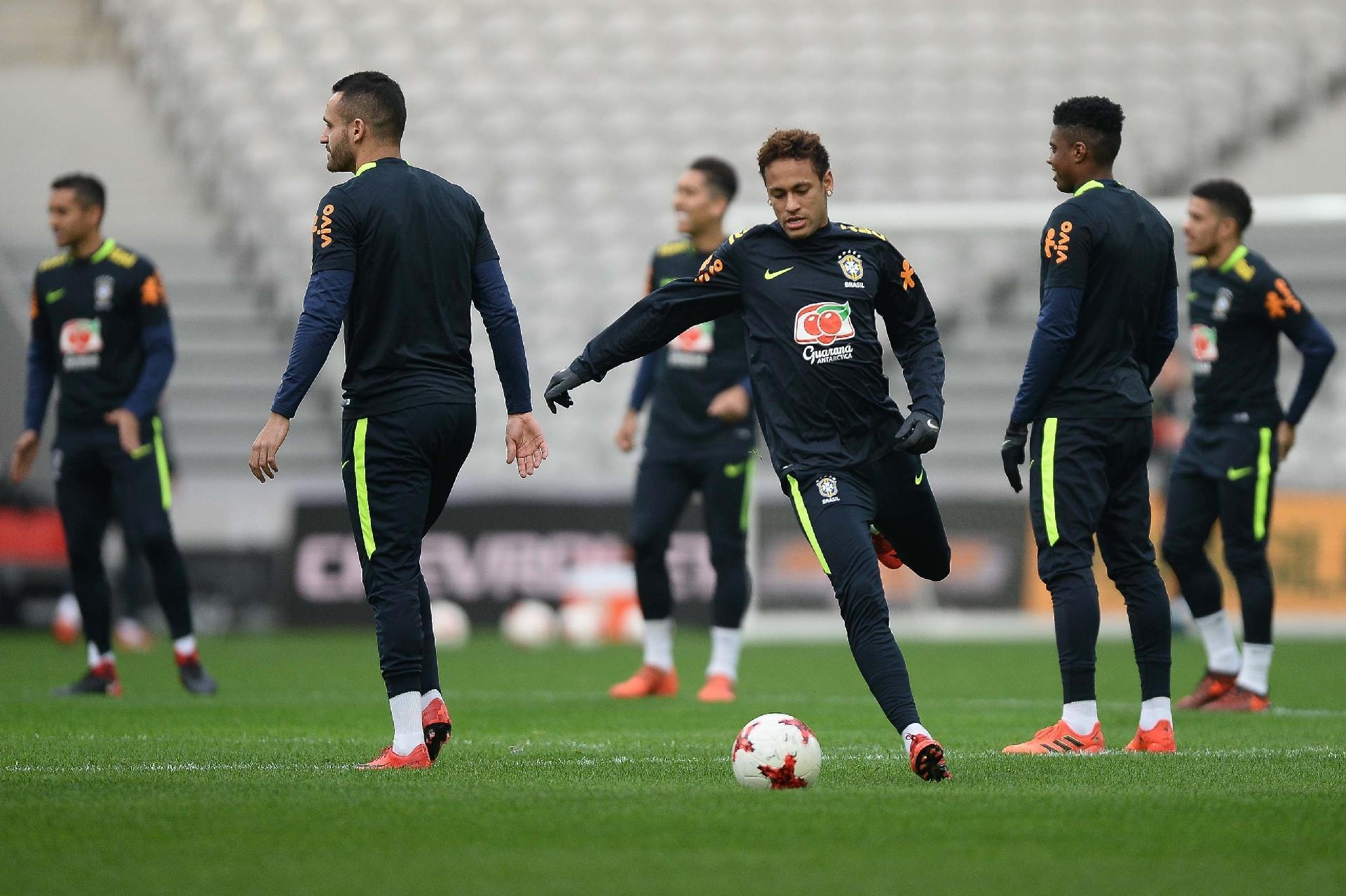 Patrocinadores da CBF se incomodam por não poderem usar imagem de Neymar -  21 02 2018 - UOL Esporte 9e62f6db63c48