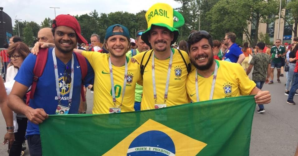 Grupo de brasileiros chega para final entre França X Croácia em Moscou