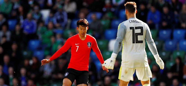 Son, estrela do Tottenham, não conseguiu ajudar a sua seleção a sair com a vitória neste sábado - Reuters/Jason Cairnduff