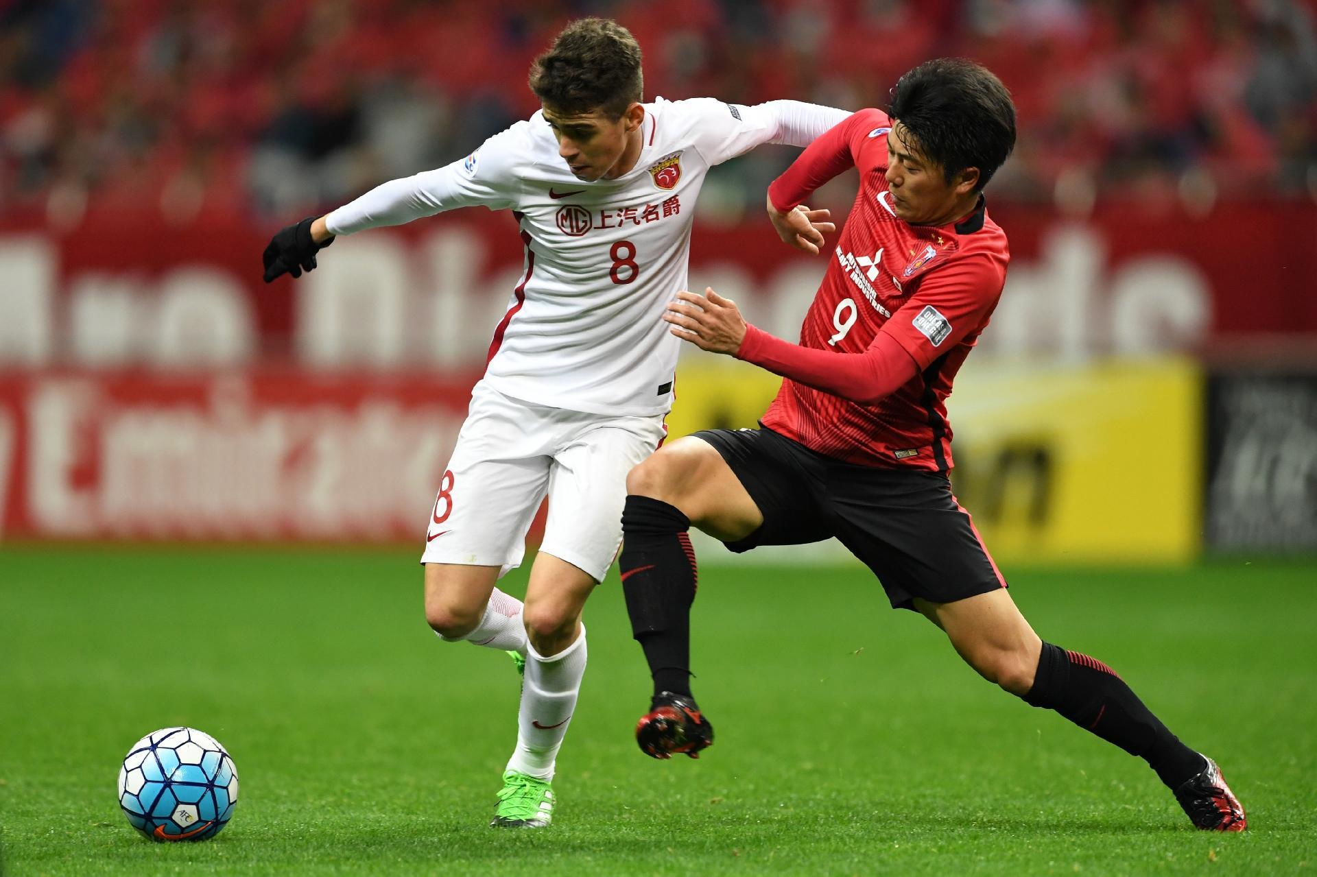 Oscar brilha em goleada do Shanghai SIPG na liga chinesa com dois gols -  28 07 2018 - UOL Esporte f3142e0d0d6b4