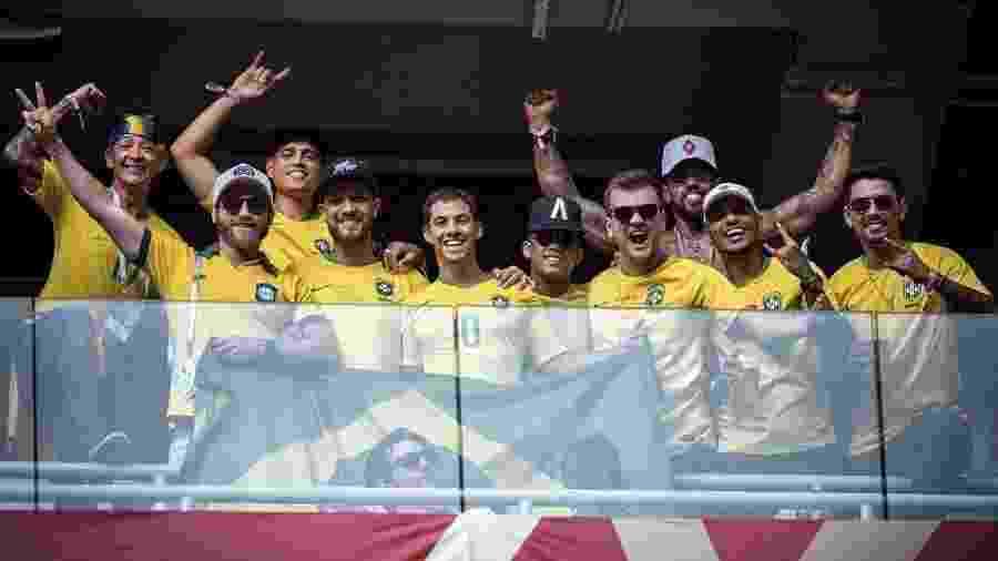 """""""Parças"""" do Neymar em camarote do estádio de Samara - Reprodução/Instagram"""