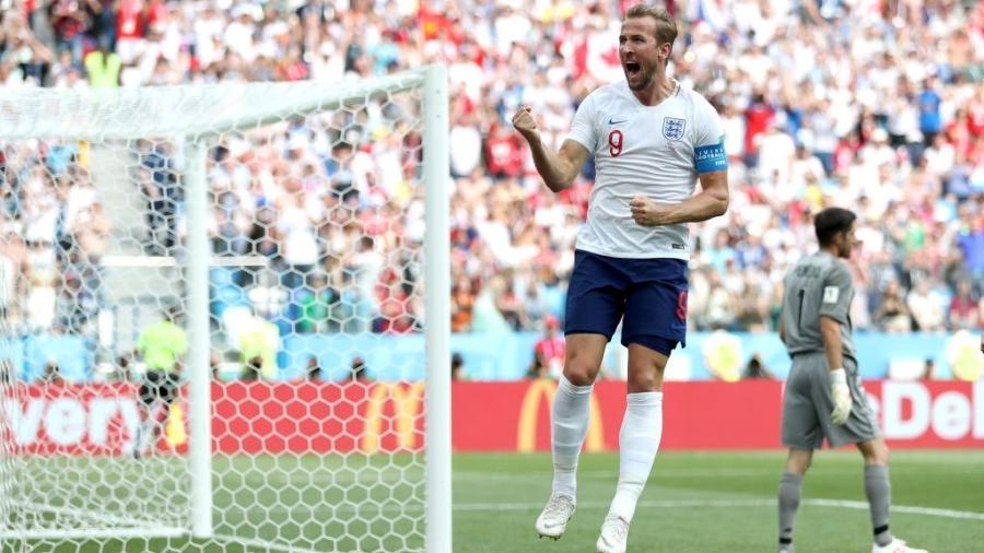 Harry Kane comemora após marcar, de pênalti, o segundo gol da Inglaterra sobre o Panamá - Alex Morton/Getty Images