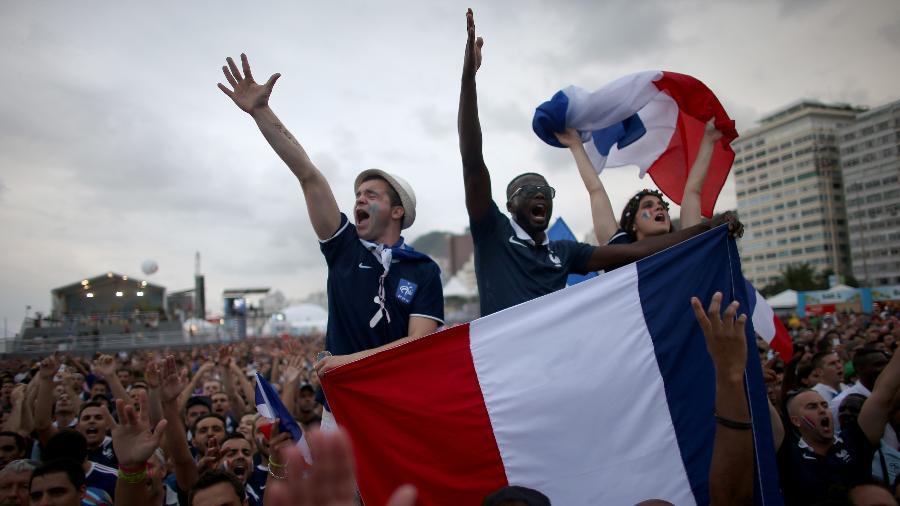 Em 2014, franceses se reuniram em fan fest aberta para acompanhar Copa; desta vez, só em locais controlados - Joe Raedle/Getty Images