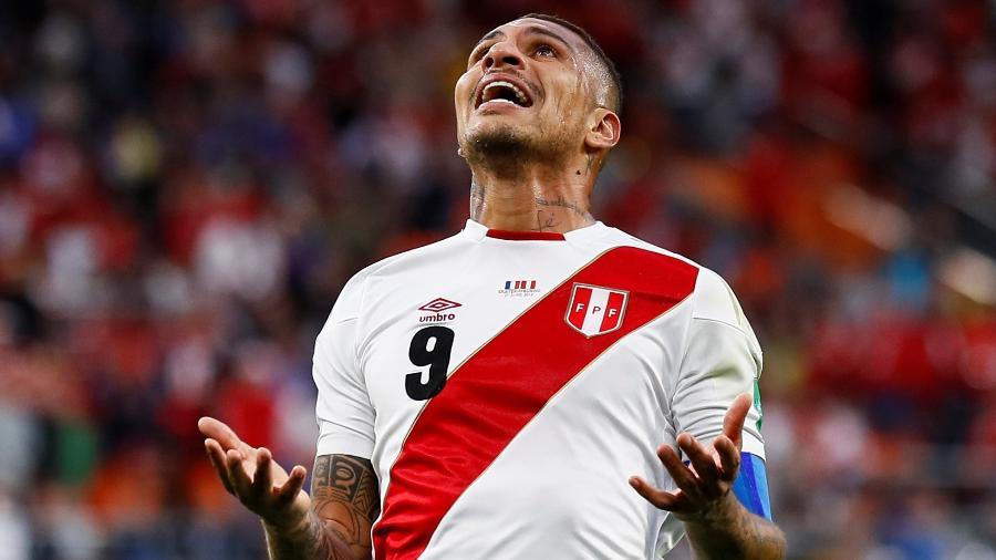Paolo Guerrero, durante derrota do Peru contra a França - REUTERS/Jason Cairnduff