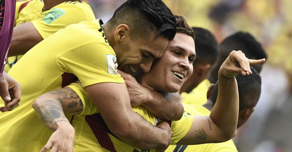 Juan Quintero comemora gol contra Japão