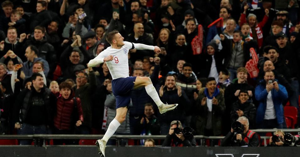 Jamie Vardy comemora gol da Inglaterra contra a Itália