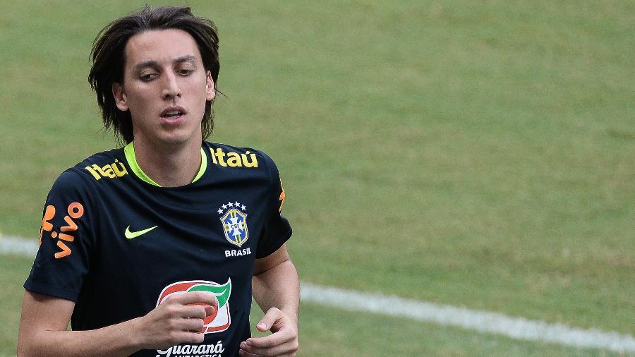 Geromel ganha folga após Copa e volta ao Grêmio na sexta-feira - 10 ... 0accb6b1b6c6e