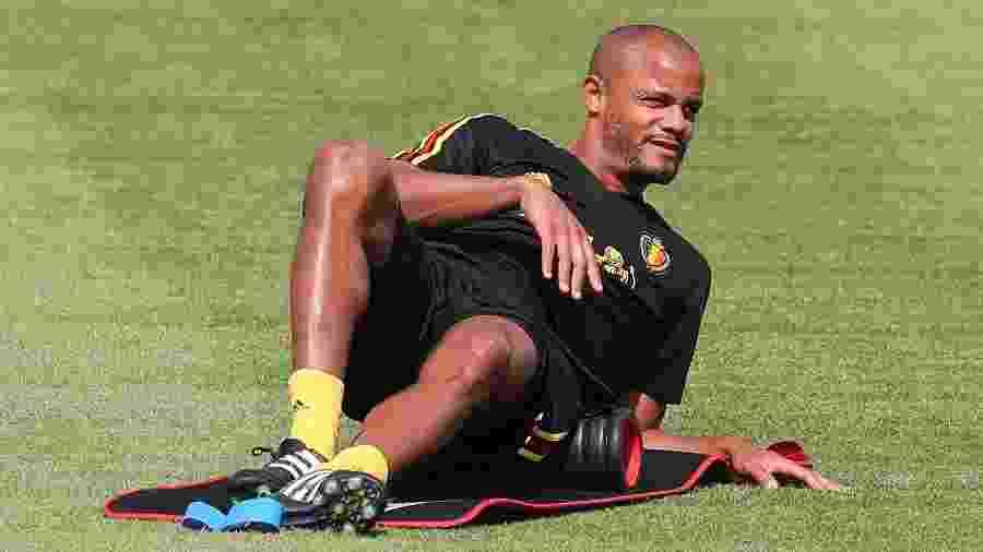 Zagueiro Vincent Kompany em treino da seleção da Bélgica - BRUNO FAHY/AFP