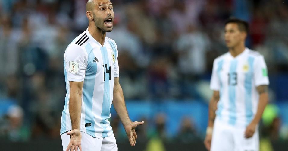 Javier Mascherano esbraveja durante derrota da Argentina para a Croácia na Copa do Mundo