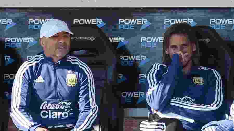 Sebastián Beccacece (direita) foi auxiliar de Jorge Sampaoli (esquerda) e está na lista de alvos do Inter - Marcelo Endelli/Getty Images