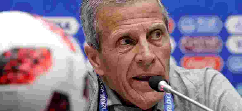 Oscar Tabárez, técnico do Uruguai, pediu para a homenagem não ser concretizada - HENRY ROMERO/Reuters