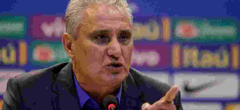 Tite durante a convocação; treinador gosta da ideia de ficar, mas só quer falar após a Copa - Luciano Belford/Agif