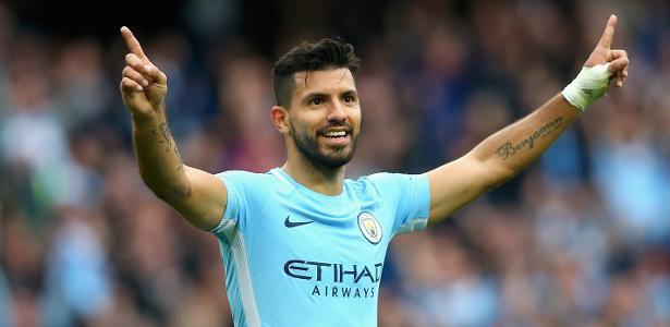 Agüero comemora gol do Manchester City
