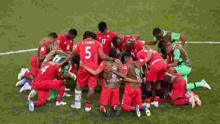Reunião da seleção do Panamá após partida contra a Tunísia - Lucy Nicholson/Reuters