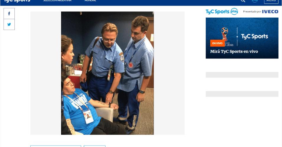 Maradona recebe atendimento médico após vitória da Argentina sobre a Nigéria