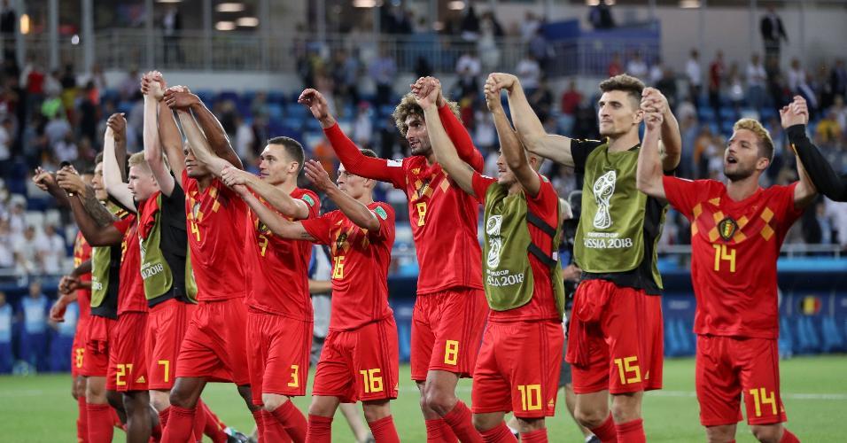 Jogadores da Bélgica comemoram vitória sobre a Inglaterra