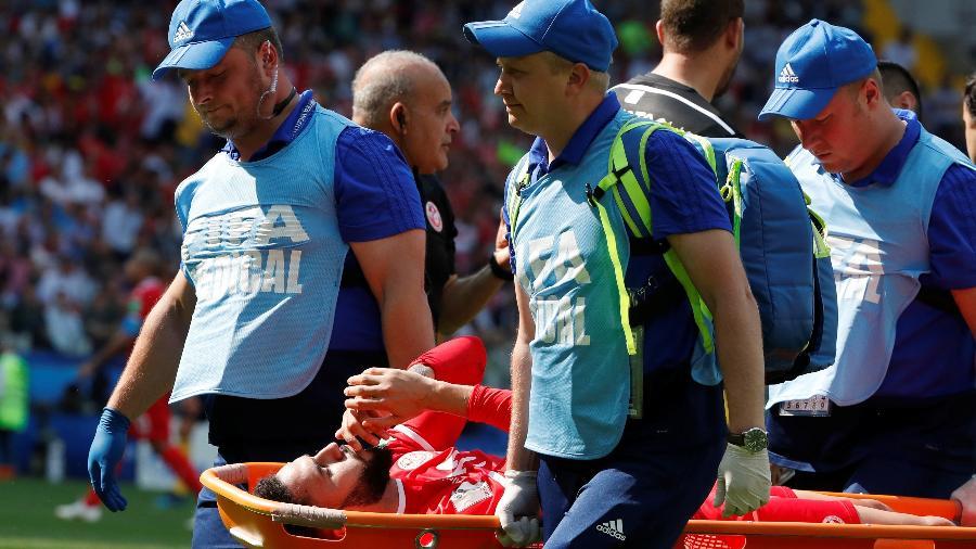 Dylan Bronn deixa o jogo contundido no duelo Bélgica x Tunísia - Grigory Dukor/Reuters
