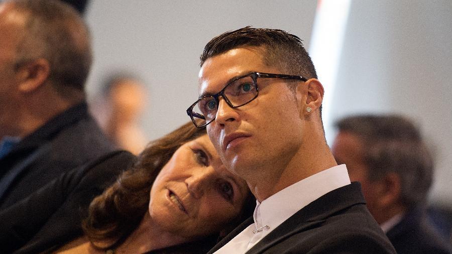 Cristiano Ronaldo e a mãe Dolores Aveiro - Denis Doyle/Getty Images