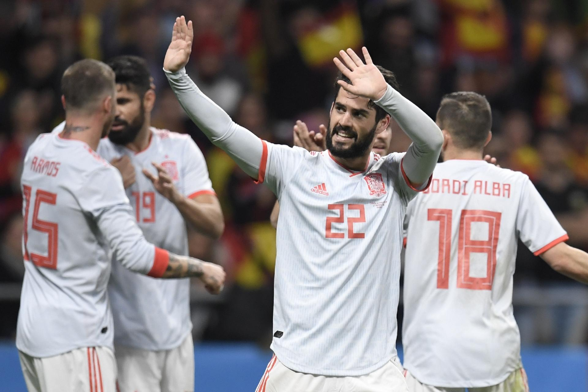 Copa do Mundo 2018  Quase 7 a 1  Argentina sofre goleada histórica para a  Espanha em amistoso - UOL Copa do Mundo 2018 5d81e8dfc85f3