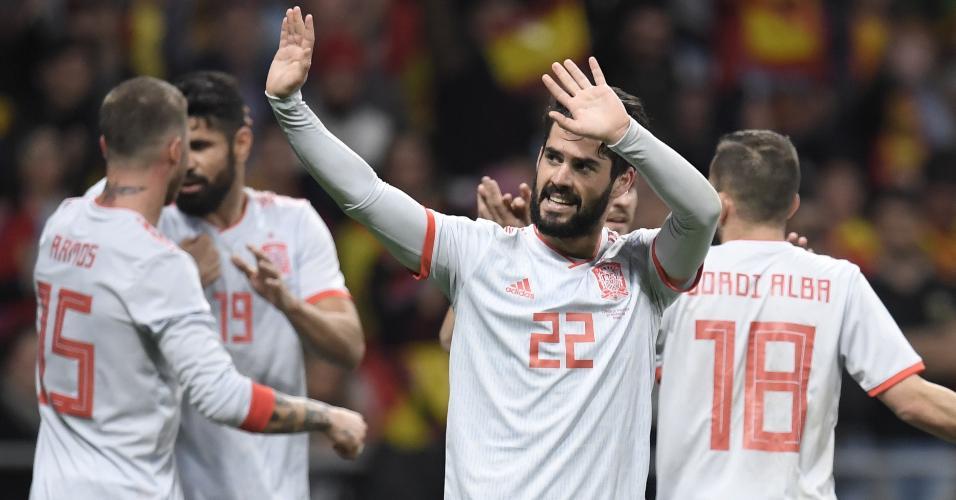 Isco comemora gol da Espanha contra a Argentina em amistoso