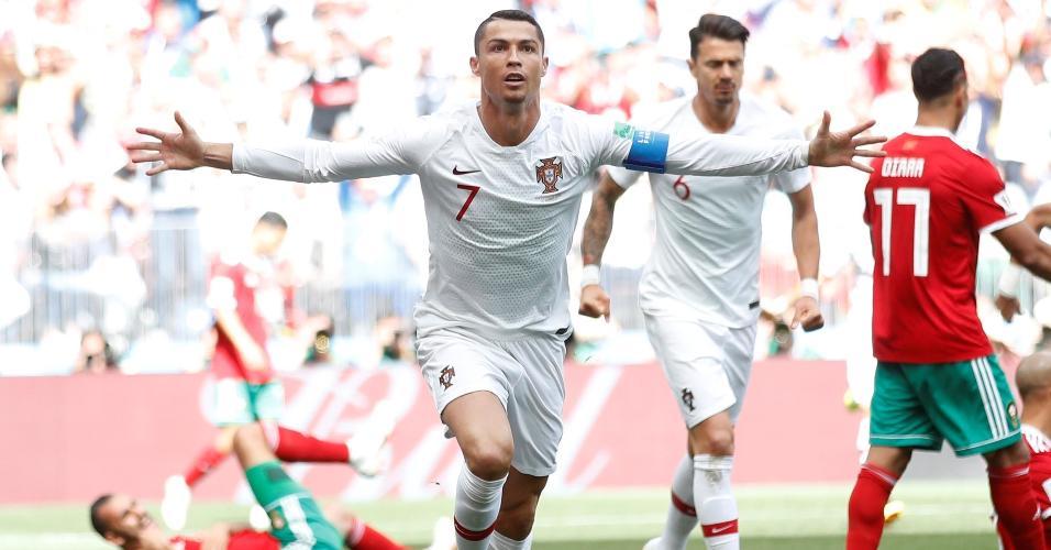 Cristiano Ronaldo celebra gol em Portugal x Marrocos marcado aos 4 minutos do primeiro tempo