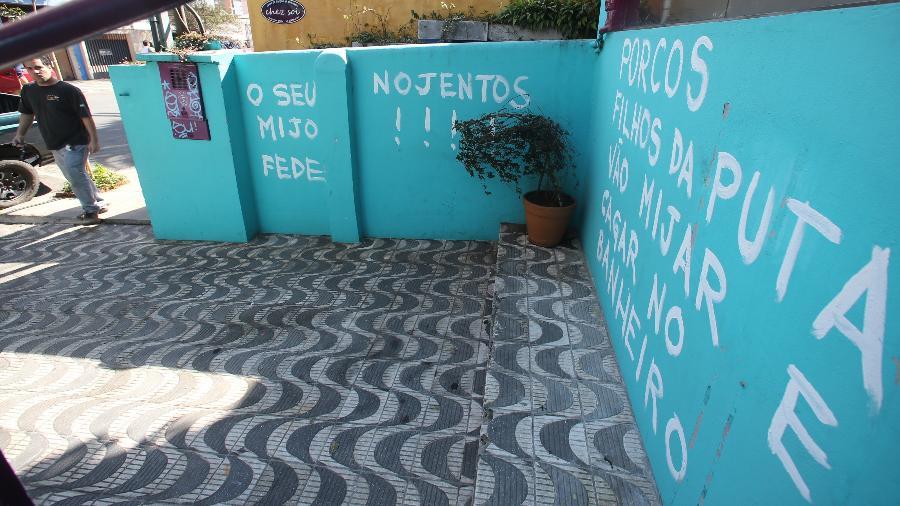 Moradores dão recado a torcedores que lotaram Vila Madalena na Copa 2014 - Rivaldo Gomes/Folhapress