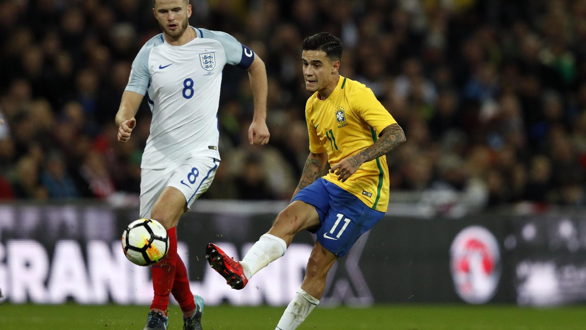 Philippe Coutinho em ação em Inglaterra x Brasil