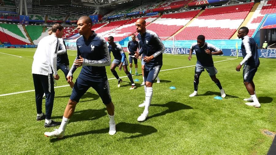 Mbappé treina com a seleção da França em Kazan, na Rússia - Robert Cianflone/Getty Images