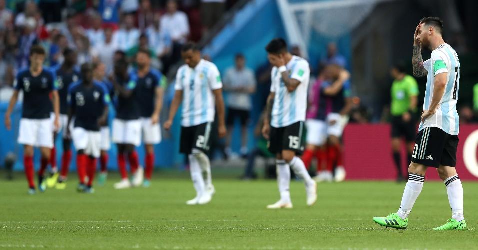 Messi e jogadores da Argentina lamentam gol da França no duelo entre as seleções