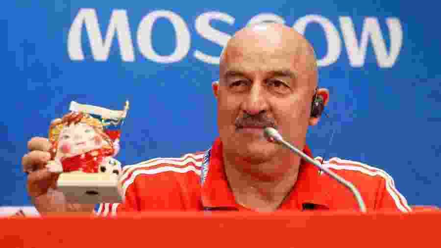 Técnico da Rússia, Stanislav Cherchesov, concede entrevista antes de pegar a Espanha - MAXIM SHEMETOV/Reuters