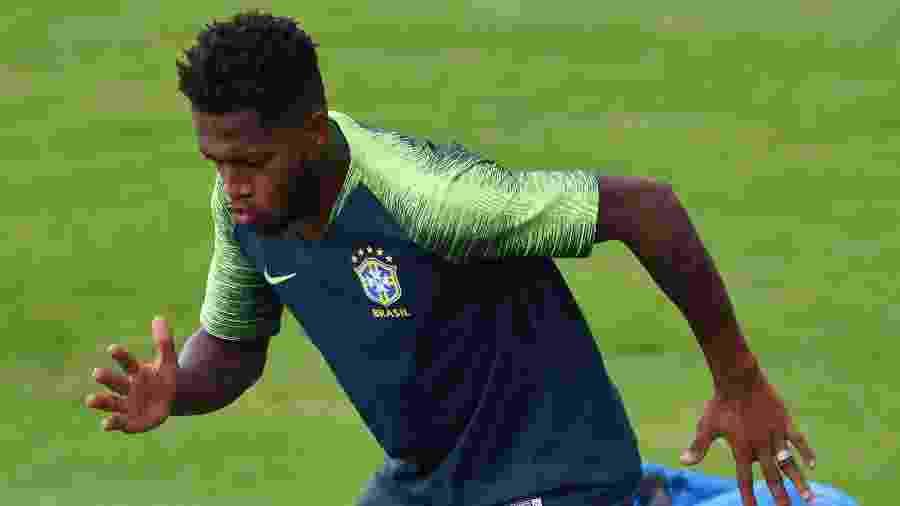 """""""Quando o time estiver mais forte defensivamente (...), o horizonte vai mudar para Fred"""", diz Mourinho -  AFP PHOTO / SAEED KHAN"""