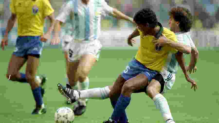 Brasil caiu diante da Argentina nas oitavas de final da Copa de 1990; argentinos foram vice-campeões - Allsport UK/Allsport