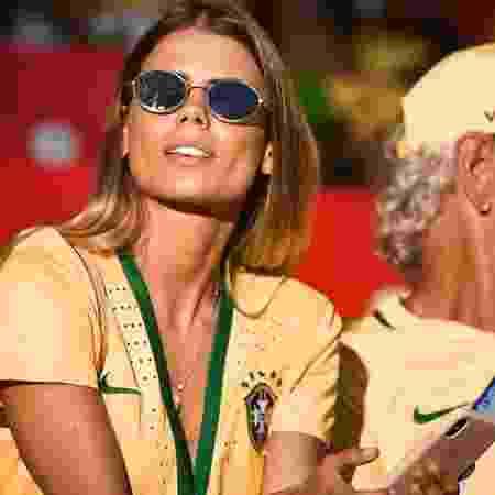 Carol acompanha jogo do Brasil na Copa - Reprodução/Instagram