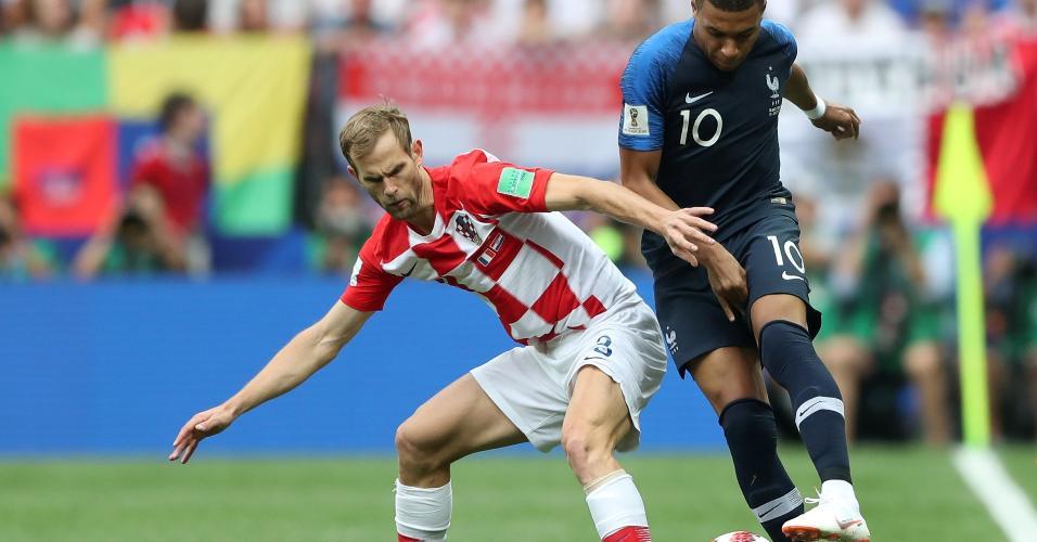 Ivan Strinic marca Kylian Mbappe em França x Croácia