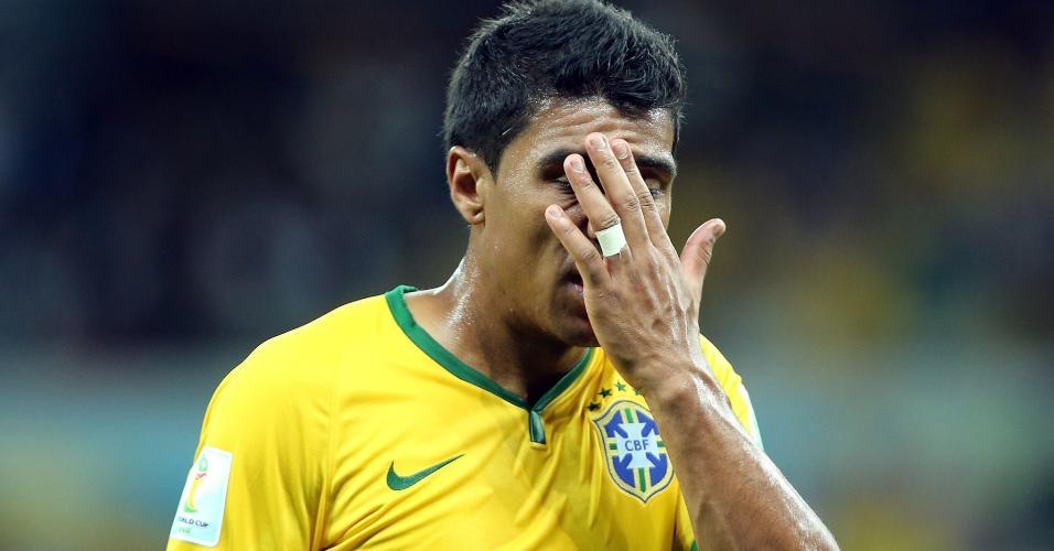 Paulinho lamenta derrota por 7 a 1 diante da Alemanha