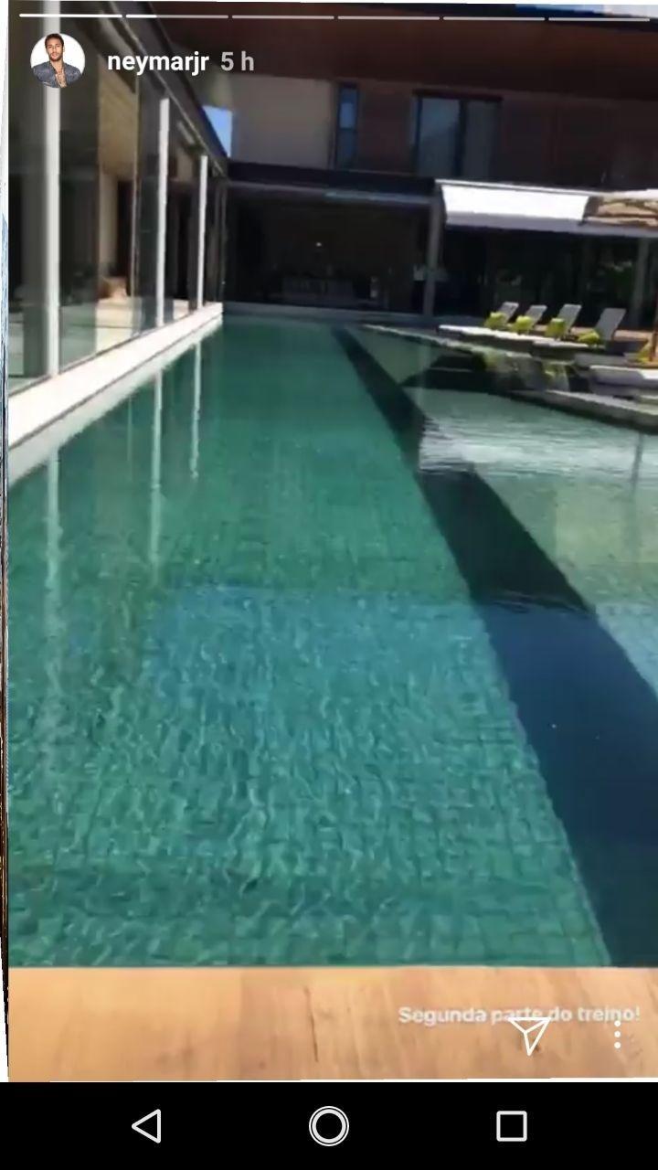 Neymar treino piscina