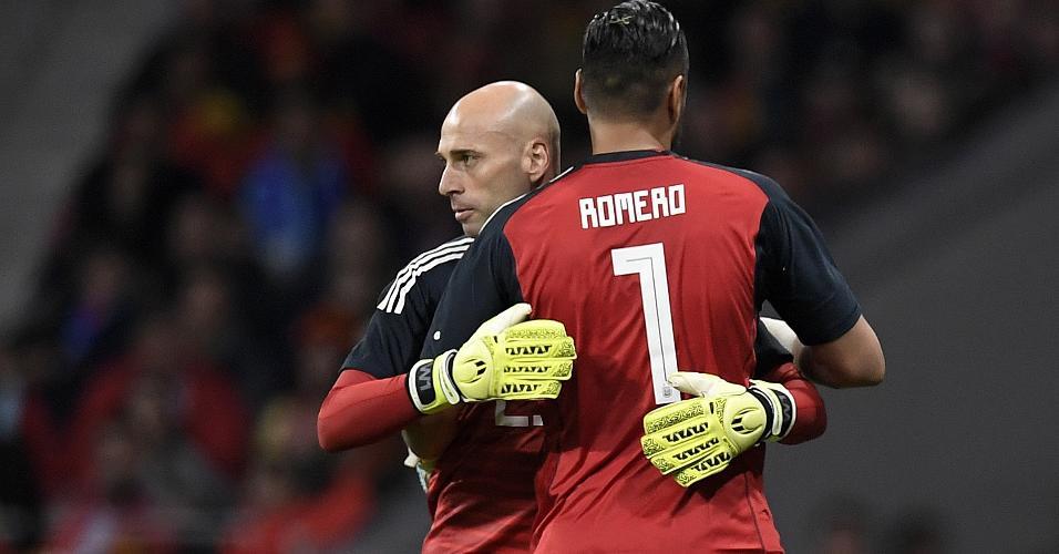 Caballero entra no lugar de Romero durante o amistoso entre Espanha e Argentina