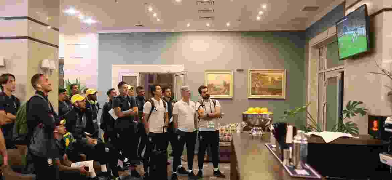 CBF revela Brasil  de olho  em Espanha x Portugal no saguão de hotel ... 15105a9ba380d